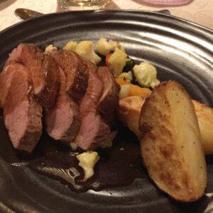 アイスランドの食事 アイスランド旅行@ブループラネットツアー