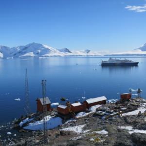 南極上陸 ゾディアッククルーズ 南極クルーズ船 南極・南極上陸クルーズ旅行@ブループラネットツアー