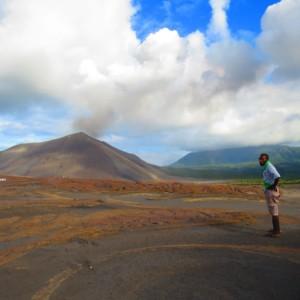ヤスール火山遠景