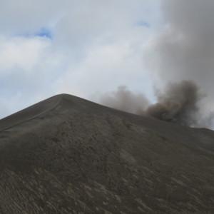 バヌアツ ヤスール火山の噴火