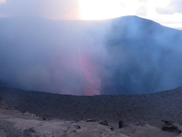 夕刻のヤスール火山