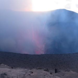 バヌアツ ヤスール火山