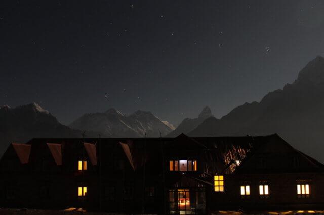 コンデロッジと夜のエベレスト