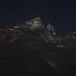 夜のコンデ山群