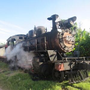 機関車|トウモロコシ運搬|キューバ・世界遺産旅行@ブループラネットツアー