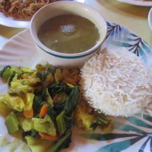 ネパール食事 ダルバート ネパール・エベレスト街道トレッキング旅行@ブループラネットツアー