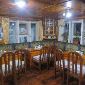 ネパールのロッジの食堂|ネパール・エベレスト街道トレッキング旅行@ブループラネットツアー