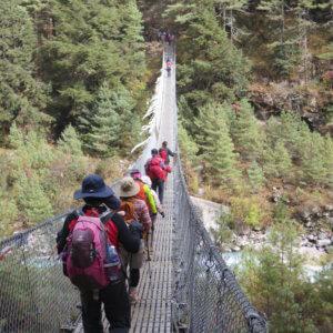ドオドシ川の吊り橋|ネパール・エベレスト街道トレッキング旅行@ブループラネットツアー