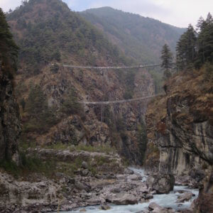 エベレスト街道沿いのマニ石 ネパール・エベレスト街道トレッキング旅行@ブループラネットツアー