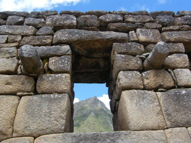 マチュピチュ遺跡の窓