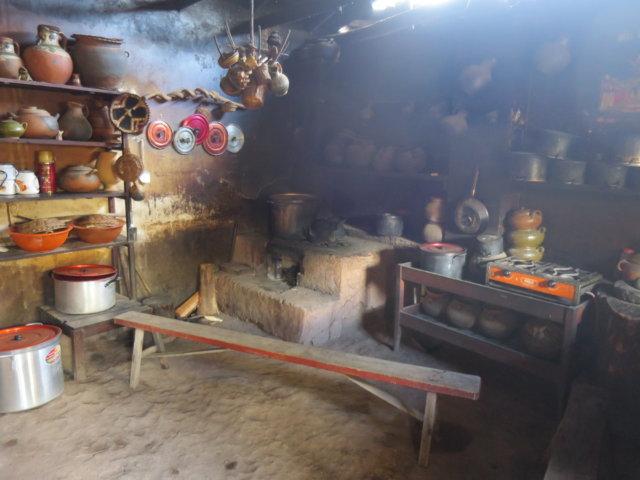 インディヘナの農家のキッチン