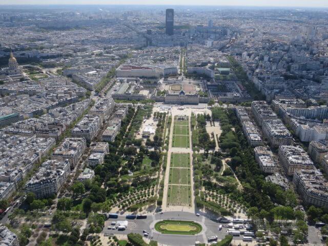 エッフェル塔の展望台|フランス旅行@ブループラネットツアー